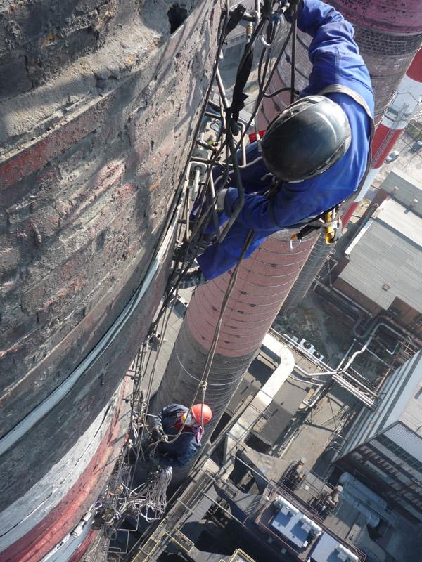 Prace wysokościowe - remont komina.